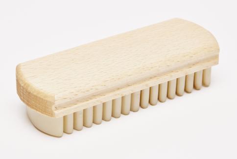 Suede-crepe brush