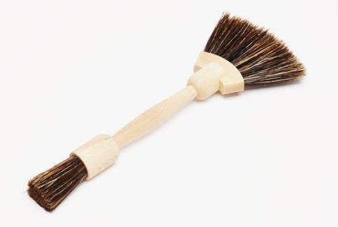 Fan shaped dust brush
