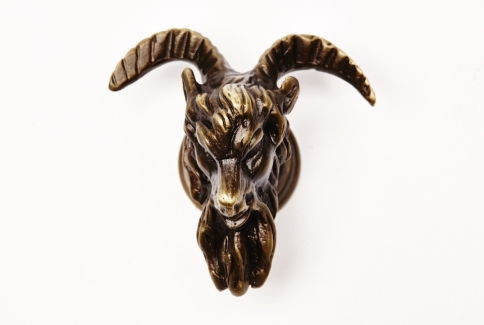 Goats head knob